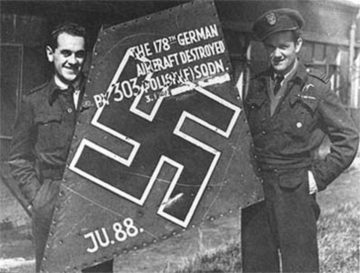 Flt Lt Bieńkowski and Sqn Ldr Zumbach with their prized Ju 88 trophy